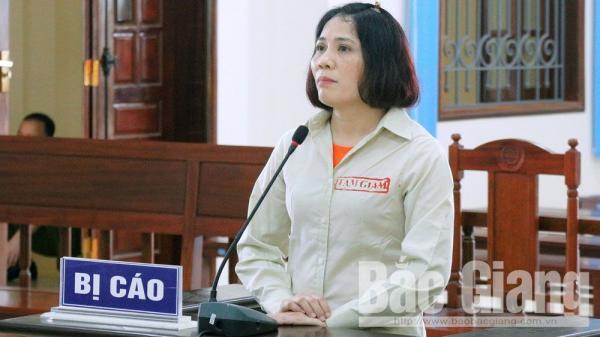 """Bắc Giang: Án chung thân cho """"nữ quái"""" siêu lừa"""