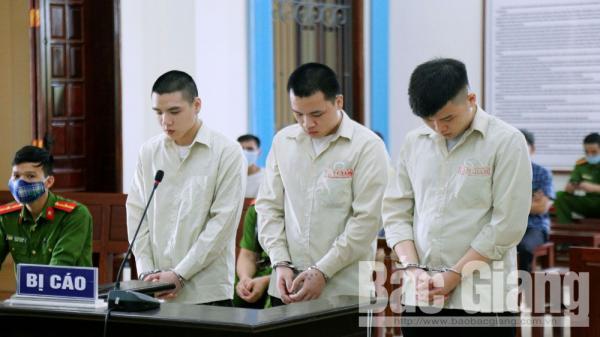 Bắc Giang: Từ món nợ hơn 1 triệu đồng dẫn đến án mạng, ba bị cáo lĩnh tổng cộng 44 năm tù