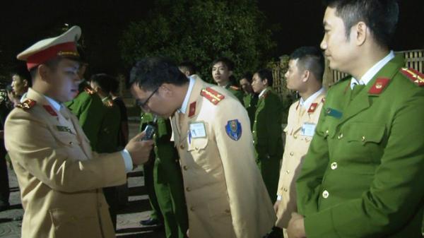 Phó Giám đốc Công an Ninh Bình làm trưởng đoàn kiểm tra nồng độ cồn cán bộ, chiến sỹ công an