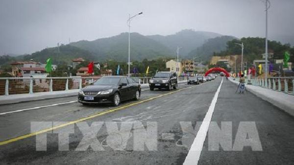Thông xe kỹ thuật cầu Hòa Bình 3 bắc qua sông Đà