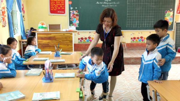Ninh Bình: Nghị lực của cậu học trò khuyết tật dân tộc Mường