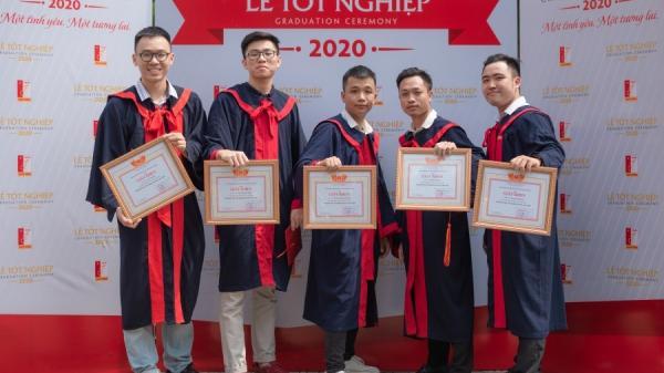 Nam sinh Ninh Bình cùng 2 cậu bạn thân ra trường sớm, tốt nghiệp loại xuất sắc trường Bách Khoa