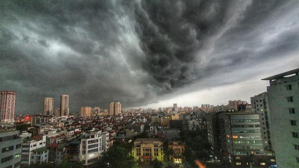 Cảnh báo: Từ đêm nay, Hà Nội có mưa dông lớn chấm dứt chuỗi ngày nắng nóng khắc nghiệt