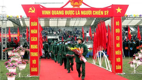 Thái Nguyên: Tặng Bảng vàng danh dự và gia đình vẻ vang cho các gia đình có con em tòng quân