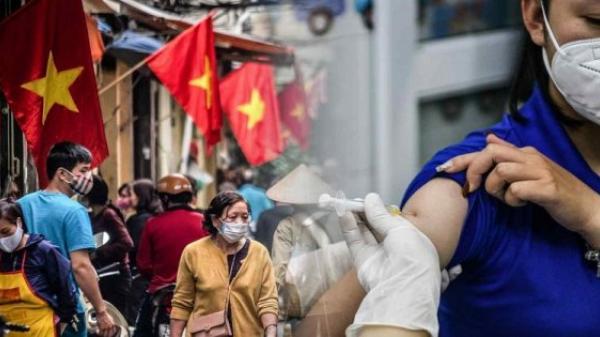 Việt Nam từ bỏ mục tiêu 'Zero Covid-19' khi sống chung với dịch