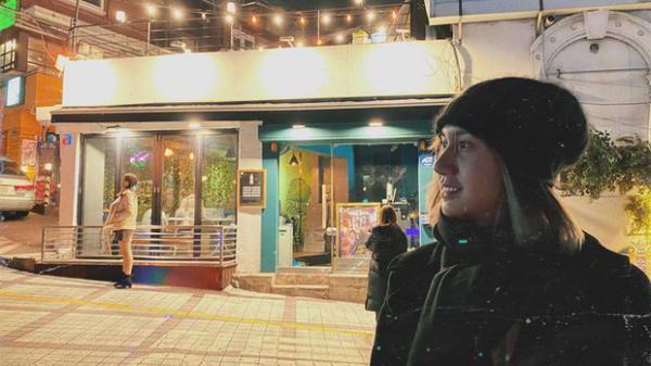 Tiếp tục sang Hàn để PTTM, Lynk Lee tranh thủ đến thăm quán nhậu Danbam chỉ để gặp anh chủ khu Itaewon đang cực hot