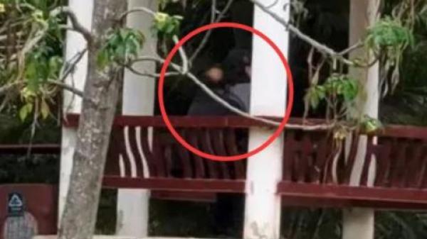 Cặp đôi lớn tuổi hành động không đứng đắn trong công viên, CĐM lên án dữ dội