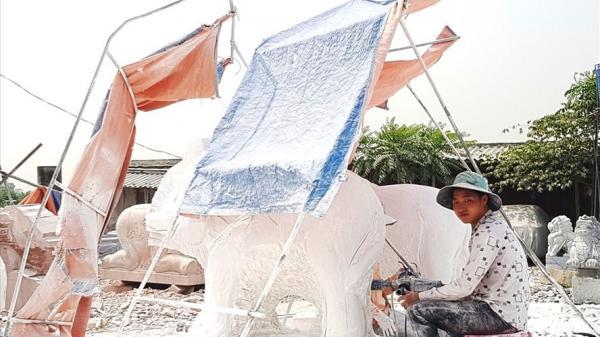Người dân làng đá Ninh Vân (Ninh Bình) vật vã mưu sinh dưới trời nắng nóng
