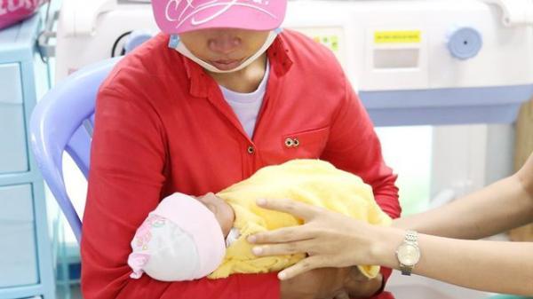Người phụ nữ quê Sóc Trăng đã đến bệnh viện nhận con sau khi bỏ rơi tại bệnh viện