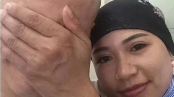 Ninh Bình: Người chồng cạo đầu để cùng vợ chiến đấu với u ng thư