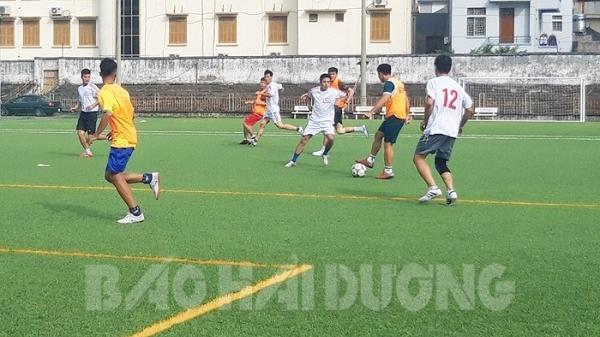 Giao lưu bóng đá chào mừng TP Hải Dương trở thành đô thị loại I