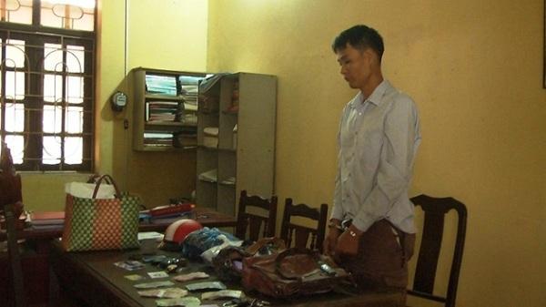 Mải thui chân giò cho khách, người phụ nữ bị mất 9 triệu đồng