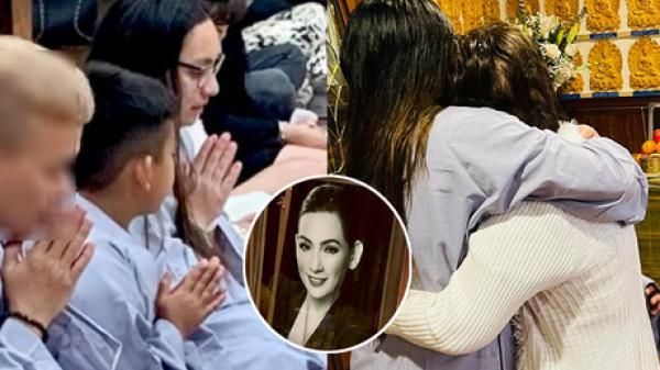 Lễ cầu siêu cho Phi Nhung tại Mỹ: Con gái suy sụp trước di ảnh mẹ, Trizzie Phương Trinh, Hồng Đào có mặt chia buồn