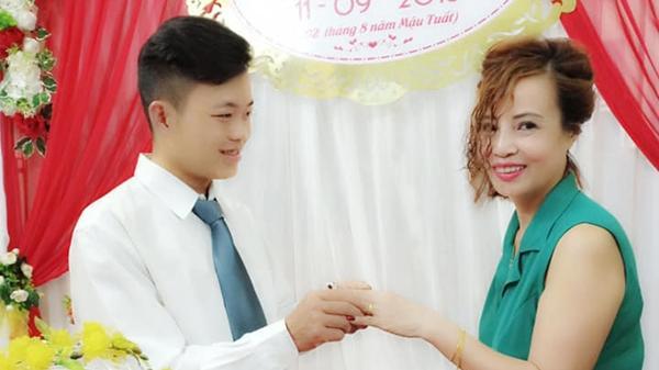 Cô dâu 61 lấy chồng 26 tuổi tiết lộ lễ đính hôn lãng mạn đúng vào ngày sinh nhật