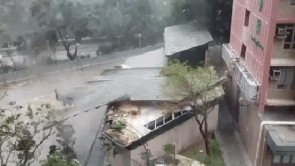 Hồng Kông run rẩy trước bão Mangkhut: Chính quyền ban bố báo động đỏ, cảnh báo cấp 10
