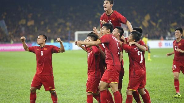Hoà 2-2, Việt Nam giành lợi thế ở Bukit Jalil, cúp vàng đang ở phe ta!