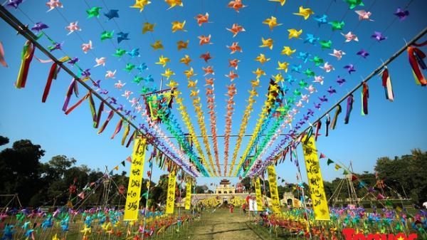 Phát mê với 'cánh đồng chong chóng' sắc màu như trong miền cổ tích duy nhất tại Hà Nội