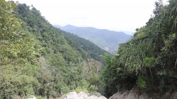 Gia Lai: Xuân này nhất định phải ghé địa danh nổi tiếng Hố Trời vùng Tây Sơn Thượng đạo