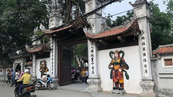 """""""500 chị em"""" đi chùa Hà hôm nay để cầu may thoát ế, có gì bí ẩn trong nơi cầu duyên nức tiếng này?"""