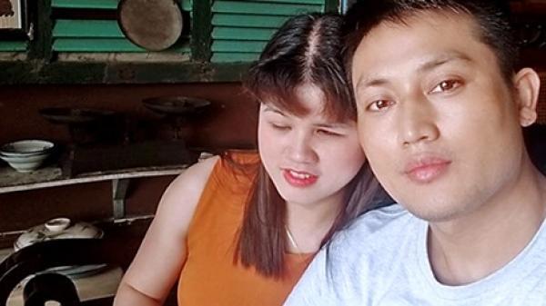 """Chàng trai Hà Nội """"trồng cây si"""" cãi gia đình, cưới cô gái khiếm thị làm vợ"""
