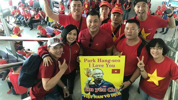 Trước thềm chung kết SEA Games, Phương Thanh rủ '500 anh em' nhuộm đỏ sân bay, sang Philippines cổ vũ tuyển Việt Nam