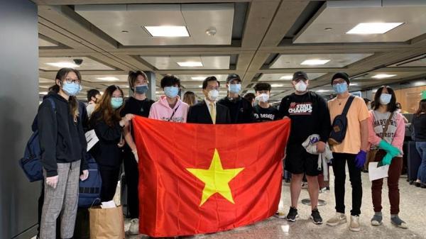 Thêm 340 công dân Việt Nam từ Mỹ về nước