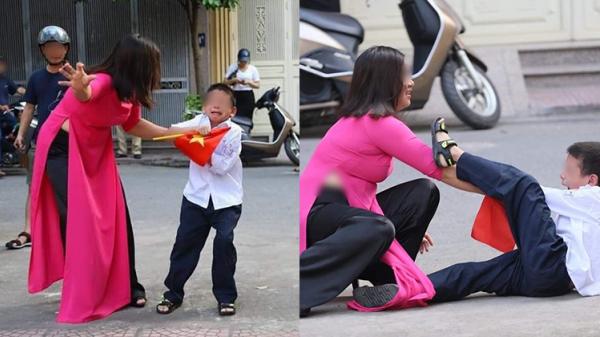 Sự thật về bức ảnh 'Buông đôi tay em ra' của cậu bé sáng ngày khai giảng khiến dân mạng cười đa u ruột