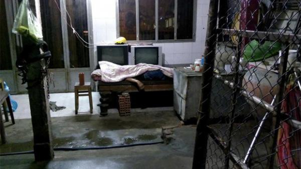 Xin trú mưa, một người đàn ông bất ngờ lên cơn co giật rồi tử vong