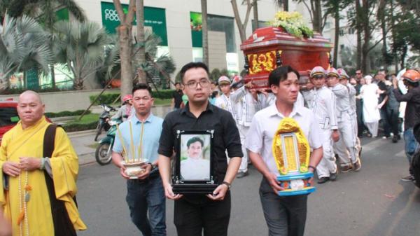 Nghẹn ngào phút tiễn đưa NSƯT Nguyễn Chánh Tín về cõi vĩnh hằng