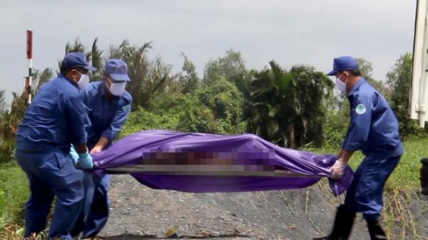 Phát hiện t.hi thể cô gái mặc đồ phật tử nổi trên sông Sài Gòn