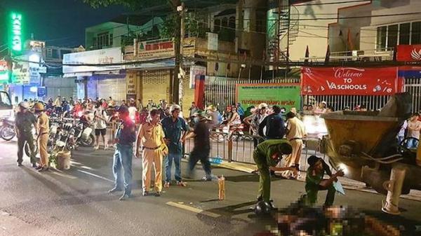 Nhân chứng kể vụ 2 thanh niên lao xe vào máy bơm bê tông ở Sài Gòn