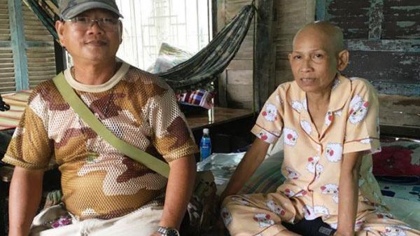 Gặp bạn cũ bán vé số ngoài đường phố Sài Gòn, người đàn ông hành xử đáng ngưỡng mộ