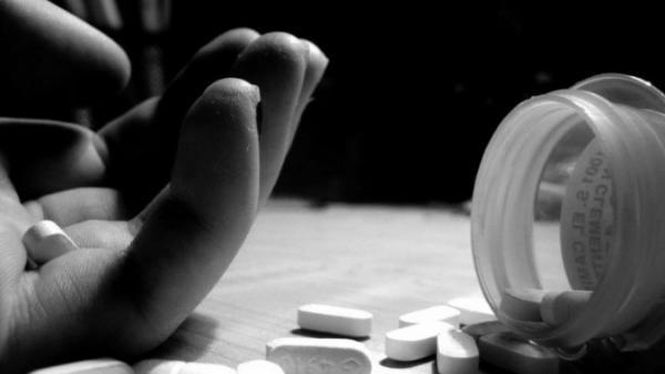 TP.HCM: Giận cha không cho nối tóc, nữ sinh 13 tuổi tự t ử bằng 40 viên paracetamol