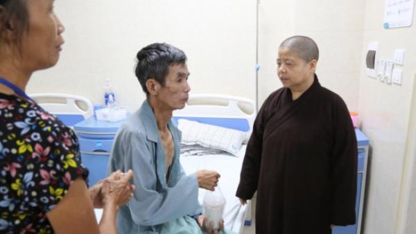 Ấm áp với 'nồi cháo nghĩa tình' tại Bệnh viện Đa khoa tỉnh Phú Thọ