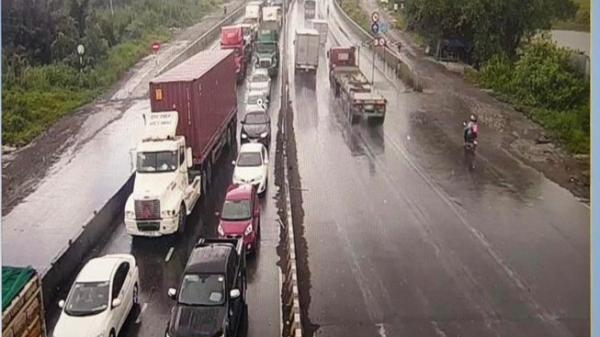 Khu vực cảng Cát Lái đang tê liệt do tai n ạn giao thông