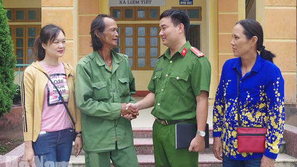 Hà Nam: Công an giúp đỡ người đàn ông đi gần 1 nghìn km về thăm quê ở Kim Bảng bị lạc đường