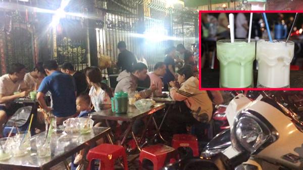 Ghé quán sữa đậu nành bạc hà hơn 40 tuổi trên vỉa hè Sài Gòn, mỗi ngày 'xuất xưởng' hơn 1.000 ly