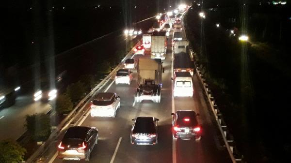 Tai n ạn nghiêm trọng trên cao tốc TP HCM - Trung Lương