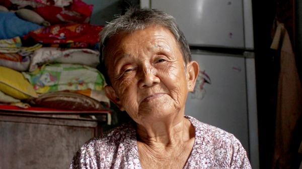 Cuộc sống của bà cụ ở Sài Gòn 82 tuổi mới có giấy khai sinh
