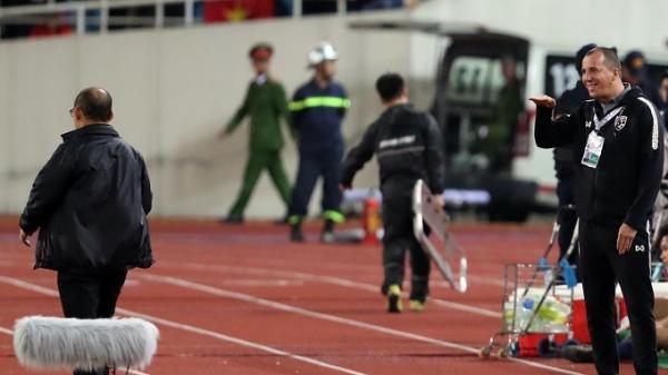 Trợ lý tuyển Thái: 'Tôi không giễu ông Park, chỉ là hiểu lầm'