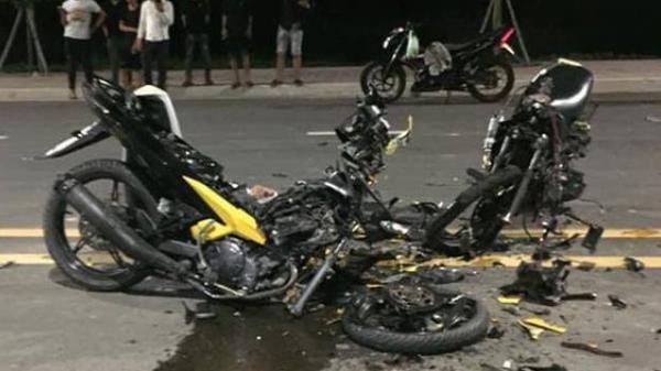 TP.HCM: Xe máy tông nhau vỡ vụn, 2 người chết trong khu Công nghệ cao