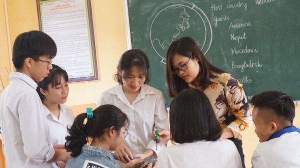 Từ chối vị trí giám đốc đại diện công ty dược, cô giáo trở về làng quê nghèo Phú Thọ dạy học