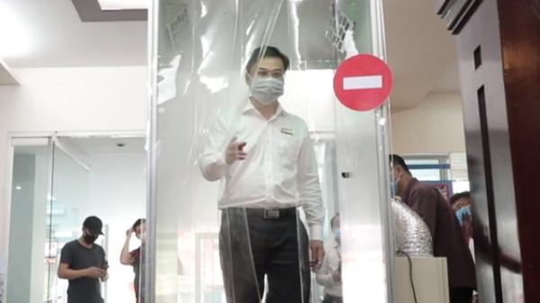 Clip: Cận cảnh buồng khử khuẩn đầu tiên tại TP. HCM
