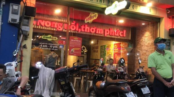 Quán ăn, tiệm trà sữa ở TP.HCM tung đủ 'chiêu' né lệnh đóng cửa