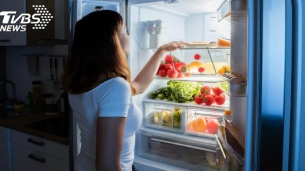Đừng tích trữ mỳ gói, đồ hộp, bác sĩ bật mí 5 loại thực phẩm cần mua trong mùa dịch