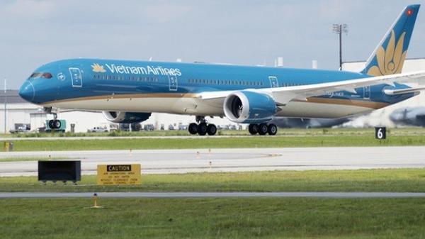 Hình ảnh đầu tiên về chuyến bay do tỷ phú Phạm Nhật Vượng tài trợ đón người Việt về nước từ Ukraine giữa đại dịch Covid-19