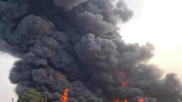Cháy dữ dội công ty nhựa ở Sài Gòn trong nhiều giờ