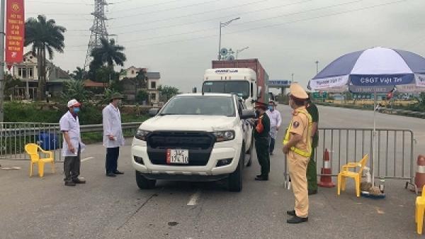 Kiểm tra dịch tễ gần 1000 lượt xe lưu thông qua nút giao TP Việt Trì với Nội Bài - Lào Cai