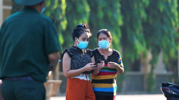 [TRỰC TIẾP] 930 người được về nhà sau 14 ngày cách ly tập trung tại Sài Gòn