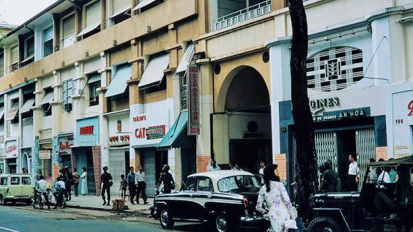 Soi con phố ăn chơi nhất Sài Gòn 50 năm trước